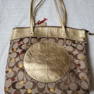 Free shipping! Coach signature tote Laura